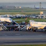 Командир самолета потерял сознание во время взлета и умер в России