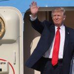 К самолету Трампа опасно близко подлетело военное воздушное судно
