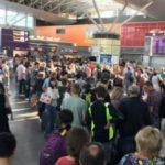 Разъяренные пассажиры заблокировали линию паспортного контроля в аэропорту «Борисполь»