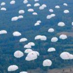 Массовое десантирование военных с Ил-76: опубликовано экстремальное видео