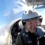 В соцсетях высмеяли полет Порошенко на истребителе